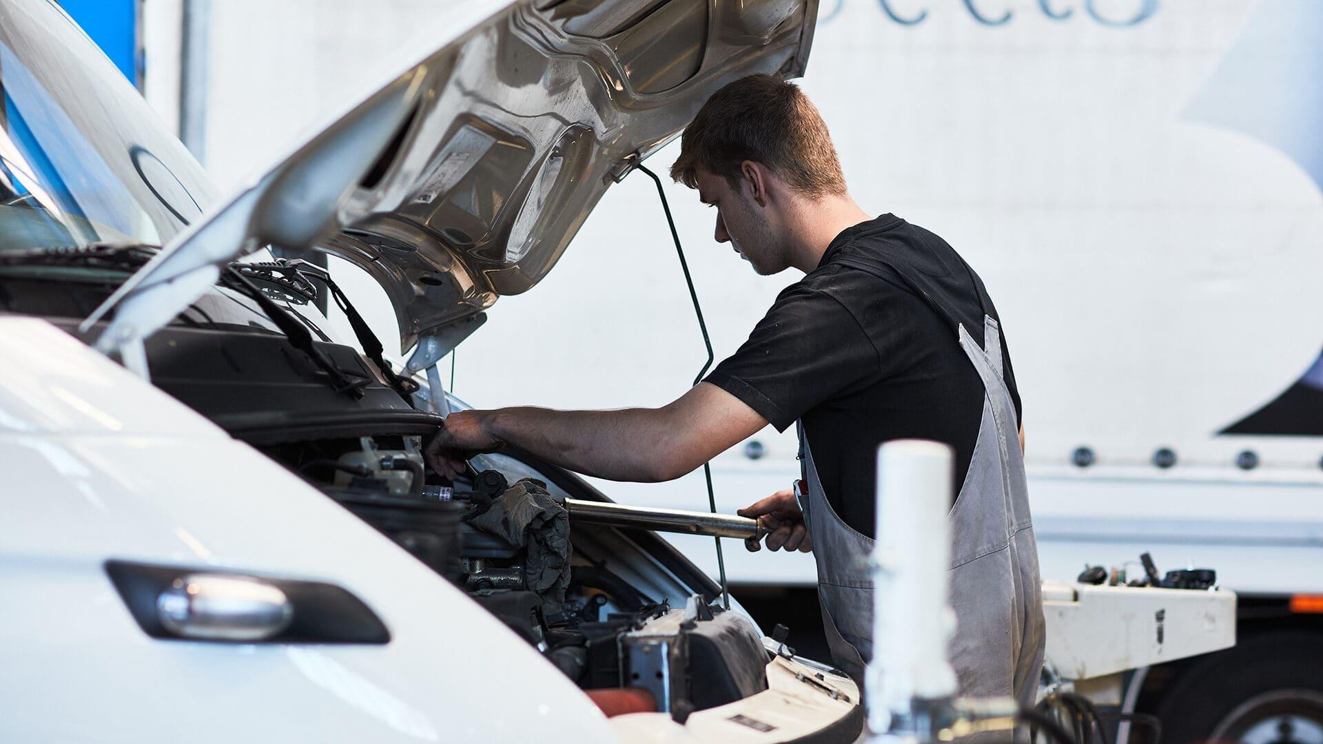 Reparatur von Nutzfahrzeugen der Marken IVECO, Fiat Professional, MAN und Maxus